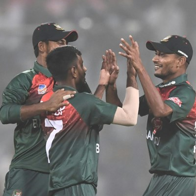 Bangladesh check India to 148-6 in pollution-hit T20