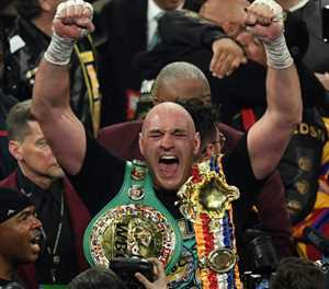 Tyson Fury splits from controversial advisor, says promoter