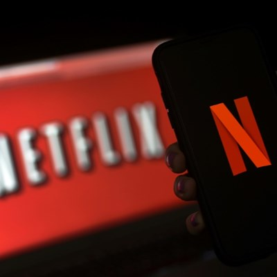 Netflix shares rise as it lifts prices on US subscriptions