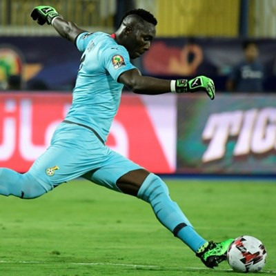South African coach slams 'ridiculous' award to his goalkeeper