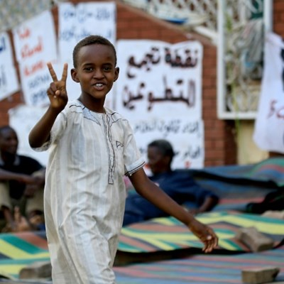Sudan military rulers use force to disperse sit-in