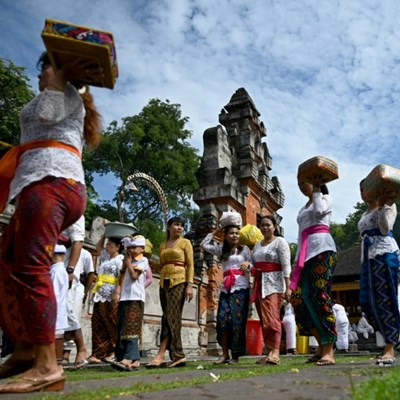 Bali prays as virus hits tourism on Island of the Gods