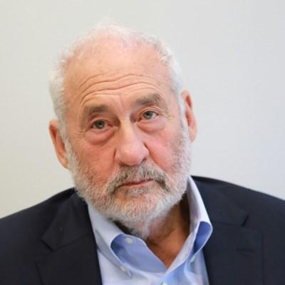 Top economist Stiglitz sees 'significant slowdown', not crisis