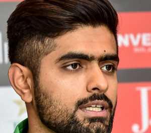 Pakistan seek to retain T20 top spot against Bangladesh