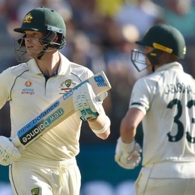 New Zealand fumble Smith chance to give Australia edge