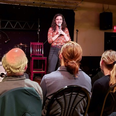 Stand-up scientists use comedy to reach beyond the ivory tower