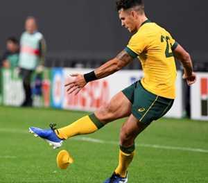 Aussie To'omua takes pot shots at England ahead of showdown