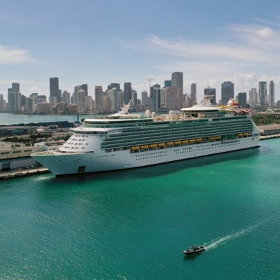 Florida sues to end cruise ship Covid restrictions