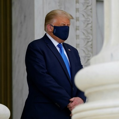 Trump heckled as he pays respects to late justice Ginsburg