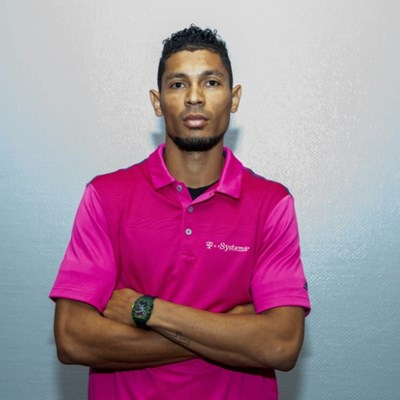 Van Niekerk to miss 400m world title  defence in Qatar