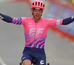 Woods wins Vuelta stage seven as Carapaz keeps overall lead