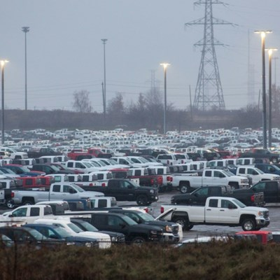 GM to bring pickups production back to Canada