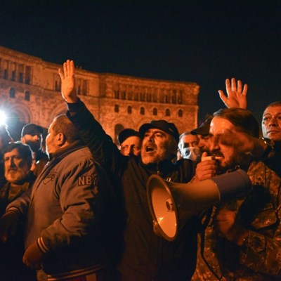 Russian peacekeepers head to Nagorno-Karabakh after peace deal
