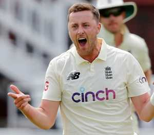 England bowler Robinson apologises for racist and sexist tweets