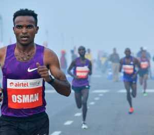 Doctors warn over Delhi's 'suicidal' half-marathon