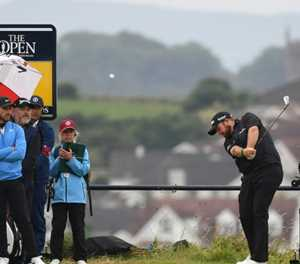 Lowry opens up five-shot lead early in Open final round