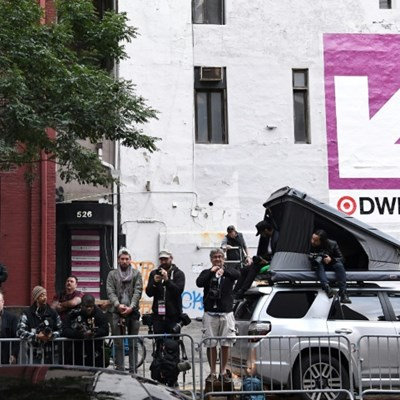 Paparazzi vie for scraps as Hollywood celebrities hide from virus