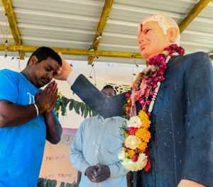Superfan prays to Trump idol ahead of US President's India visit