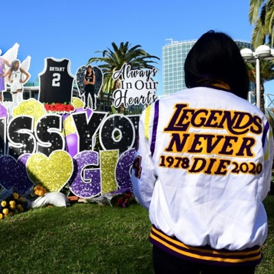 Los Angeles, fans remember Bryant one year after deadly crash