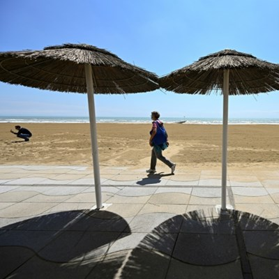 Europe seeks to save the summer holidays