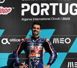 Oliveira claims 'extra special' win in MotoGP finale