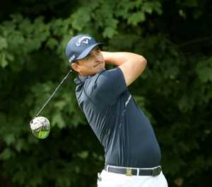 In-form Bezuidenhout among six leading South African Open