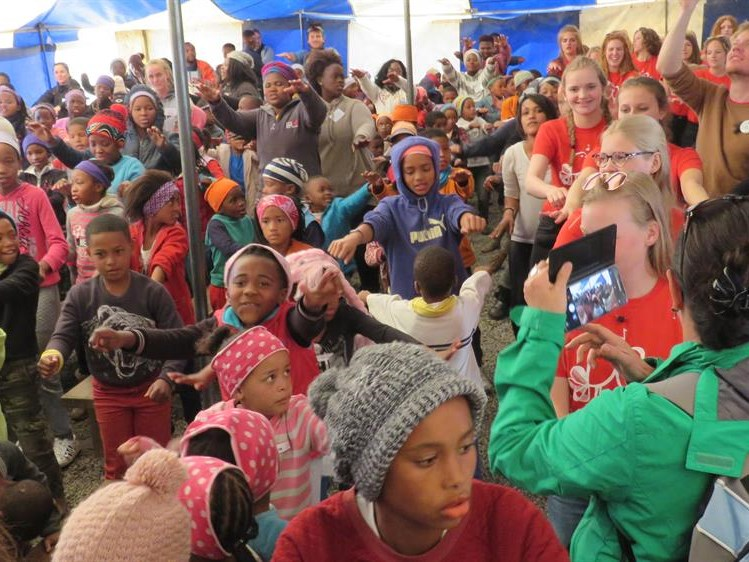 Show Choir Rise Up charms Life Community children