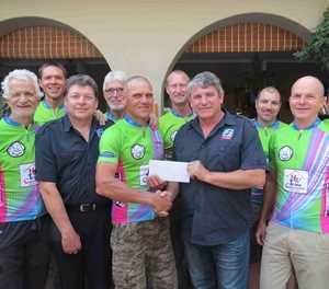 TFASA skenk R6 000 aan ODN-fietsryklub