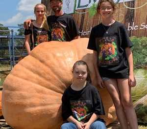 Centurion man has biggest pumpkin in SA!