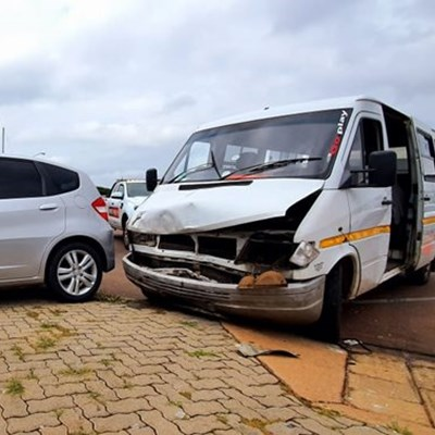 16 learners injured in crash