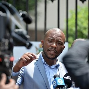 Maimane wants assurance Ramaphosa won't use public funds to fight Mkhwebane