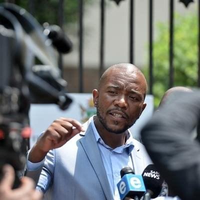 Maimane wants assurance Ramaphosa won't use public funds to fight Mkhwebane