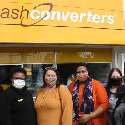 Newly opened Cash Converters donates to Child Welfare