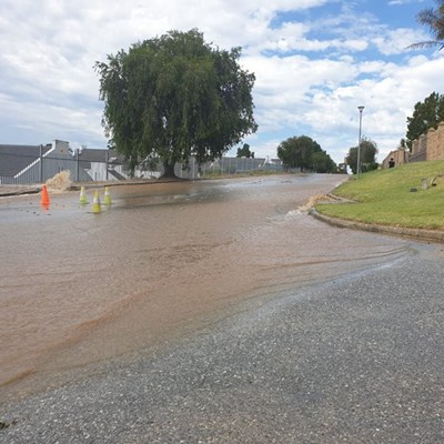 Residents urged to use water sparingly and stay away from major pipe burst in Genevafontein