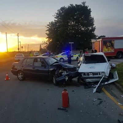 2 taken to hospital after car accident
