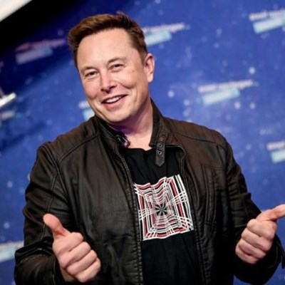 Fans divided over Elon Musk hosting 'Saturday Night Live'