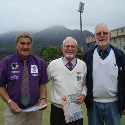 Bowlers dress up for Cancer Day