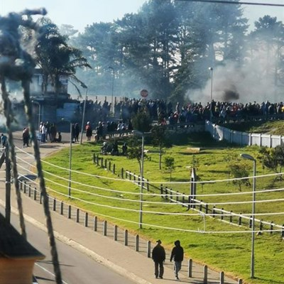 Protests paralyse Plett again