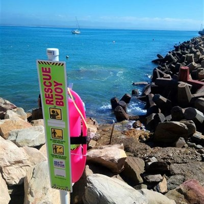Report the theft of pink rescue buoys