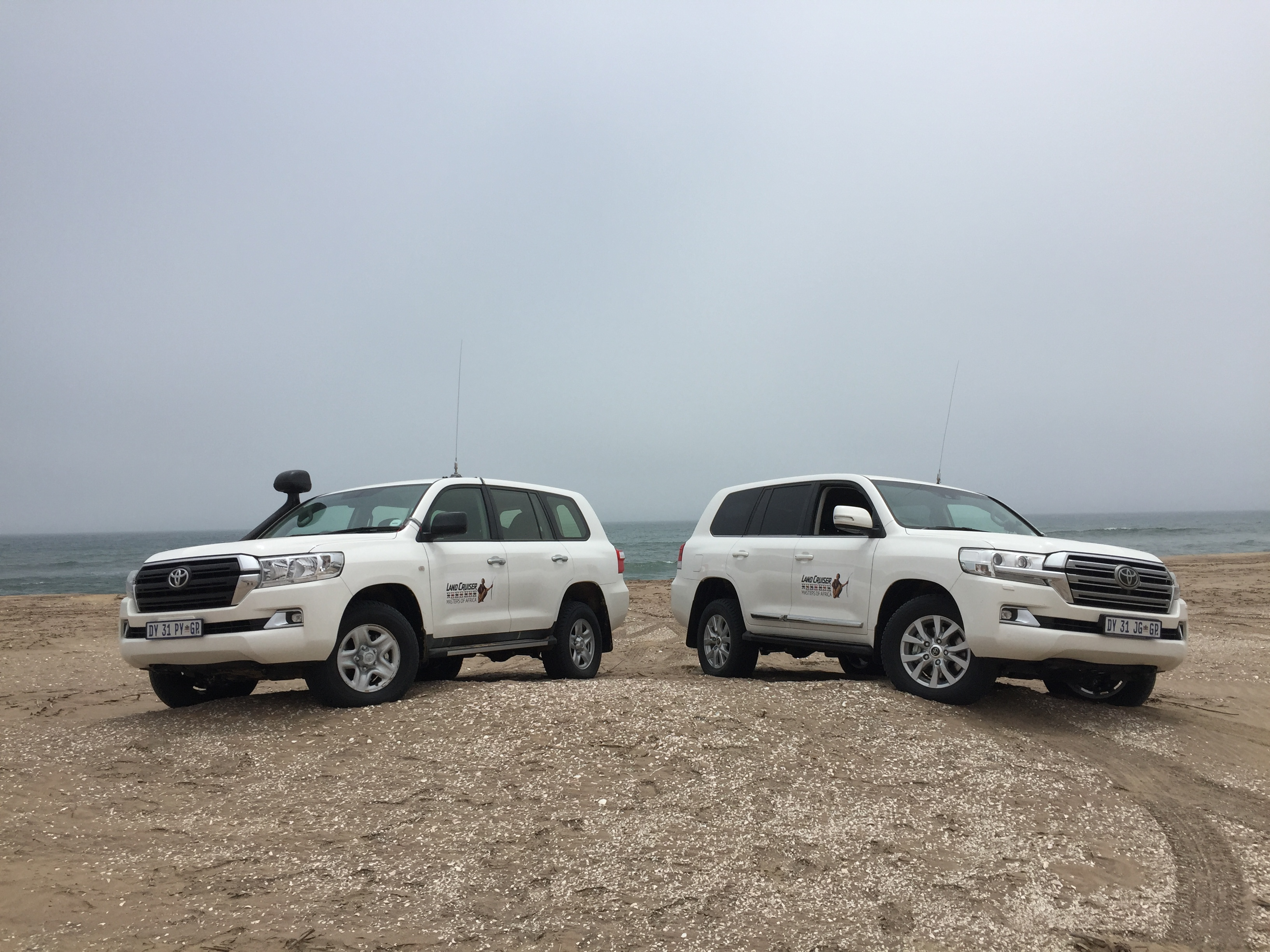 Land Cruising across the Namib-Naukluft-Autodealer