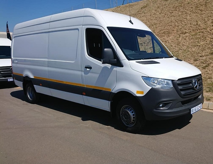 All-new Mercedes-Benz Sprinter reports for work-Autodealer