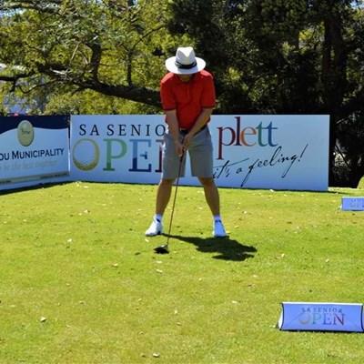 Mayor sets pace for Bitou golfing week
