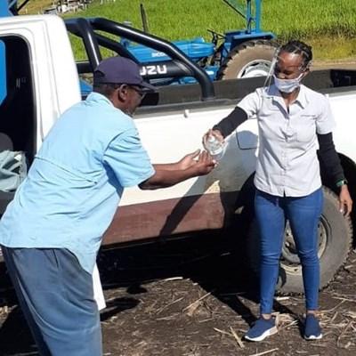 Tongaat Hulett donates 3000 bottles of sanitiser to small-scale farmers