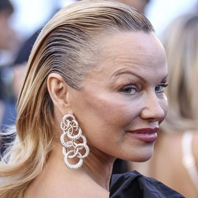 Pamela anderson has not seen her sex tape with tommy lee youtube.