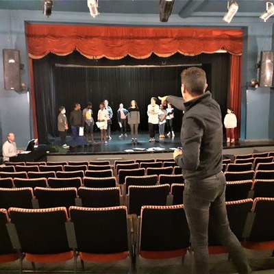 Young actors take us back to Broadway in stage show