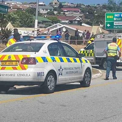 Polisie hande vol met 2 botsings kort op mekaar