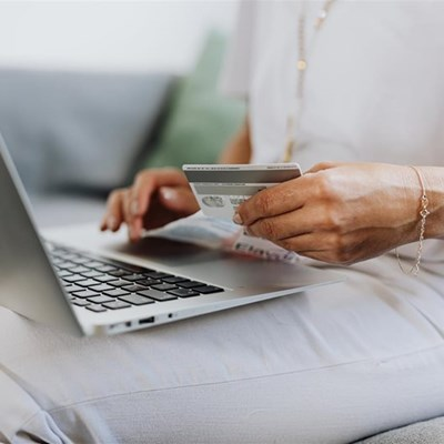 Online shopping behaviour: Consumers prefer a mix of online and physical shopping