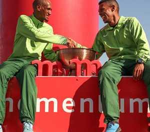 Bosman en April tem Knysna-bosmarathon