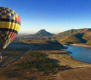 Add hot air ballooning to your holiday list