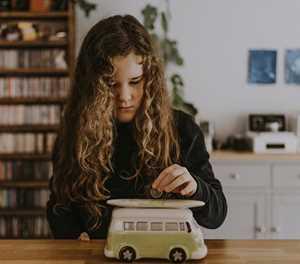 Help drive your children's behaviour with money